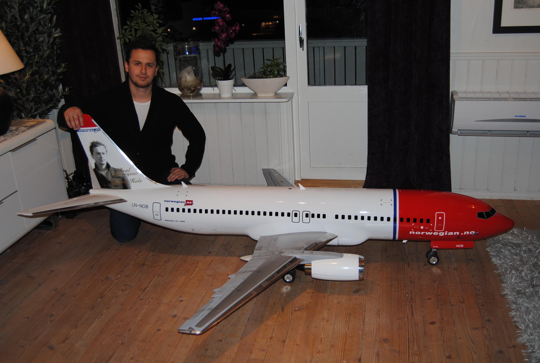 airliner. Black Bedroom Furniture Sets. Home Design Ideas